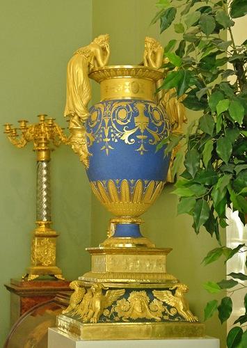 Gossip Girls Vase in Museum