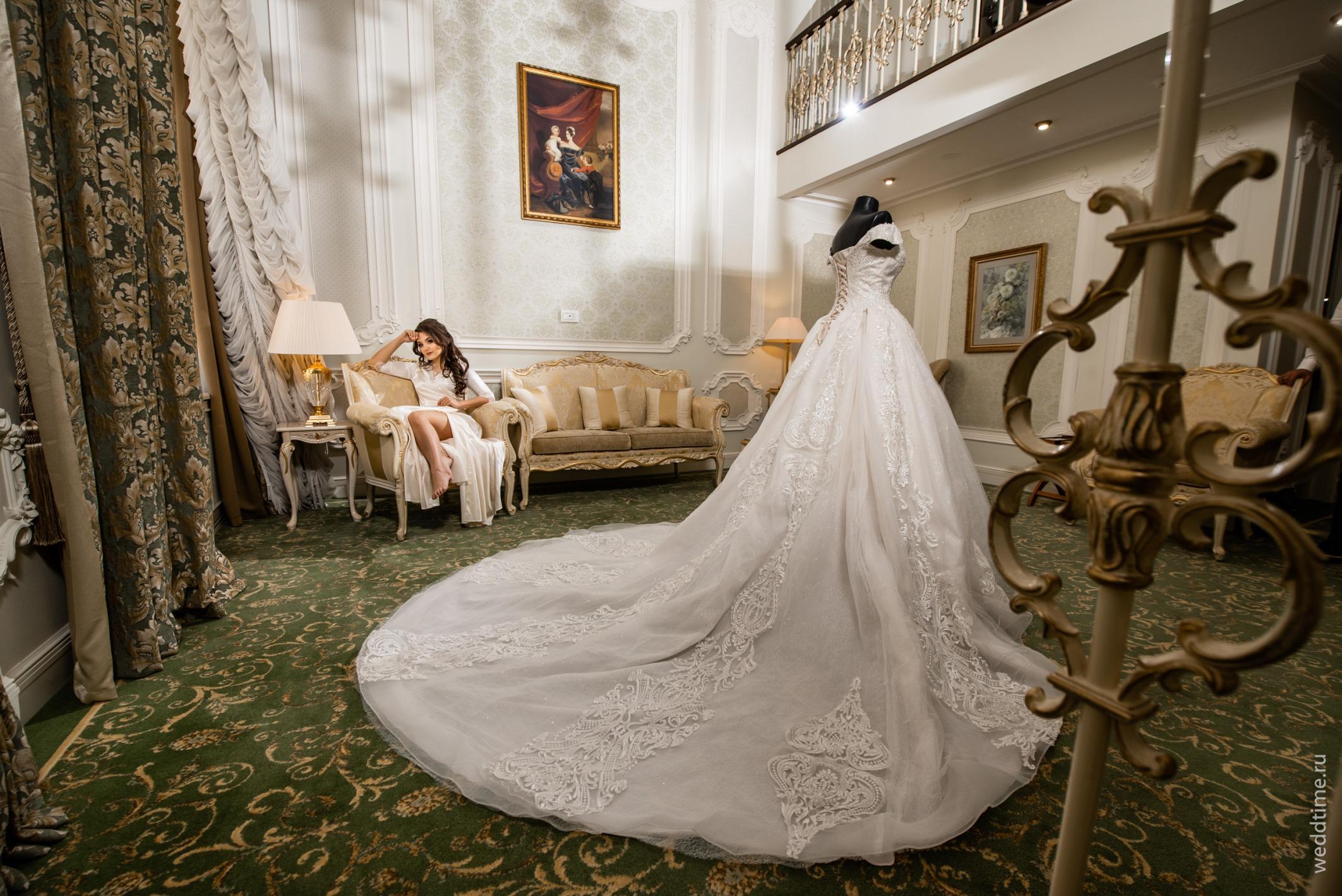 Свадебная фотосессия - номер отеля Эрмитаж