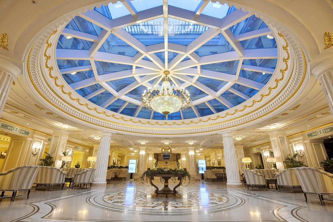 Лобби отеля Эрмитаж